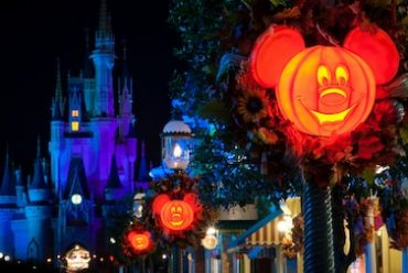 Let's Trick-or-Treat in Magic Kingdom!